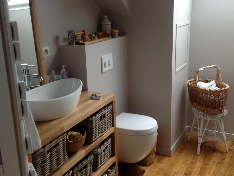 meuble de salle de bains en chne massif sur mesure